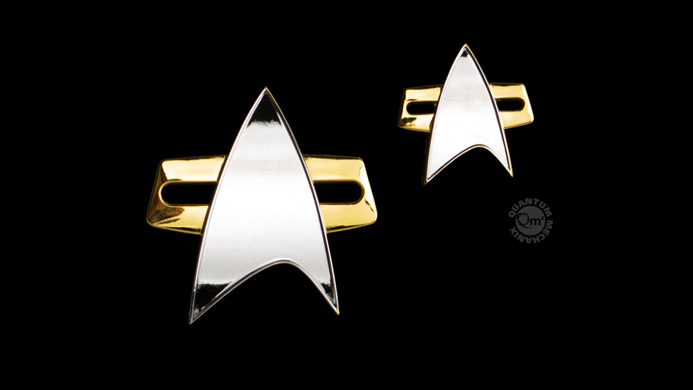 - Quantum Mechanix QMx - Star Trek: Voyager Badge and Pin Set