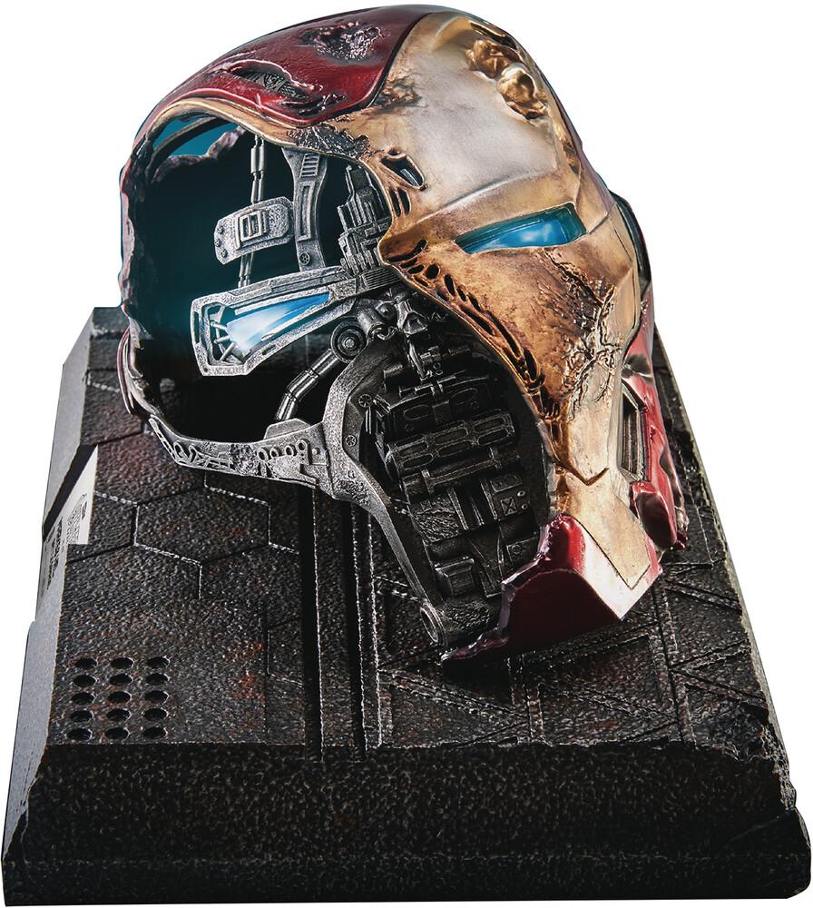 - Avengers Endgame Mc-038 Iron Man Helmet Battle Dam