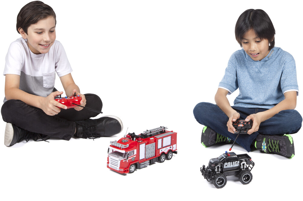 Rc Vehicles - 1:24 First Responder Water Squirting Fire Truck & Police Truck Full Function RC Truck Double Pack