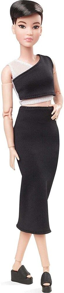 - Barbie Made To Move Doll Petite With Short Black