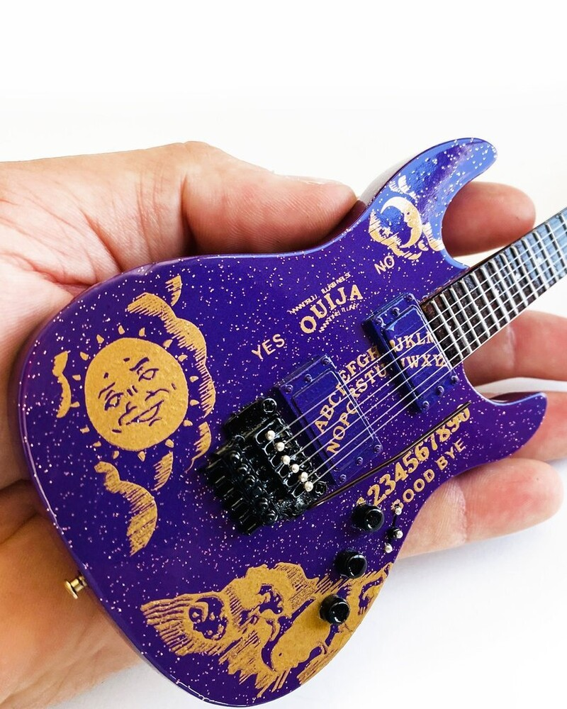 - Kirk Hammett Ouija Purple Sparkle Esp Mini Guitar