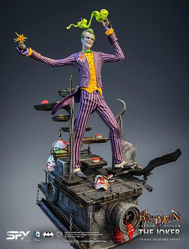 - Joker Arkham Asylum 1/8 Scale Statue (Clcb) (Stat)