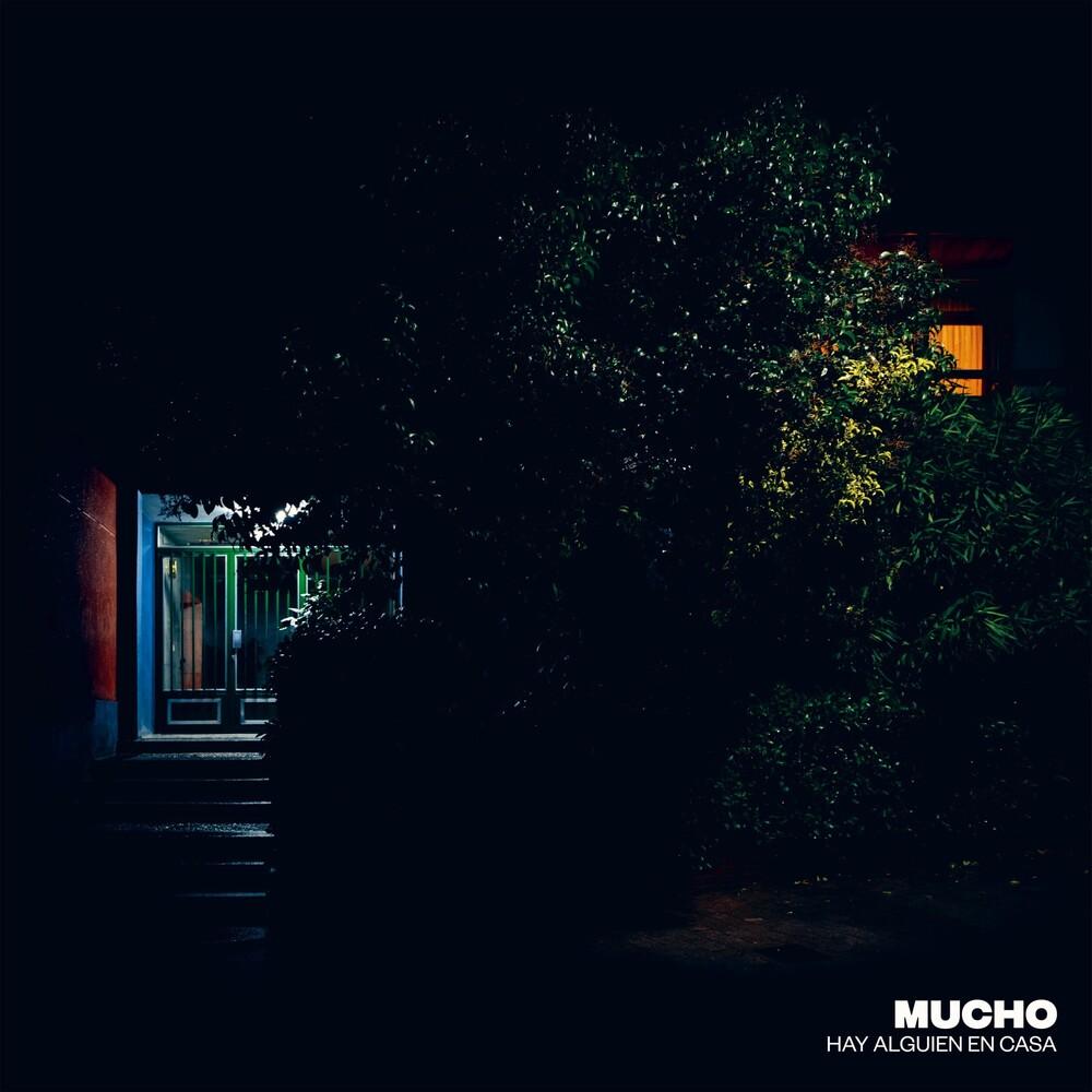 Mucho - Hay Alguien En Casa (Spa)