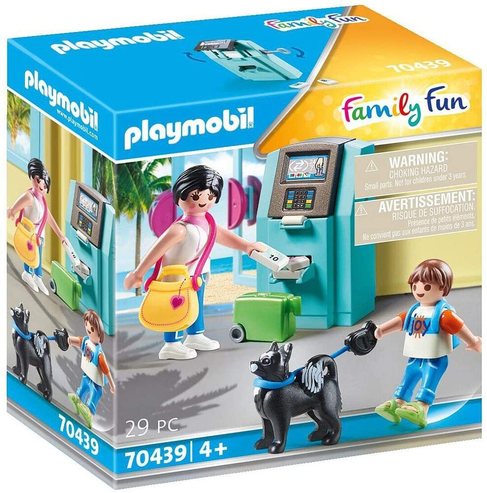 - Family Fun Tourists With Atm (Fig)