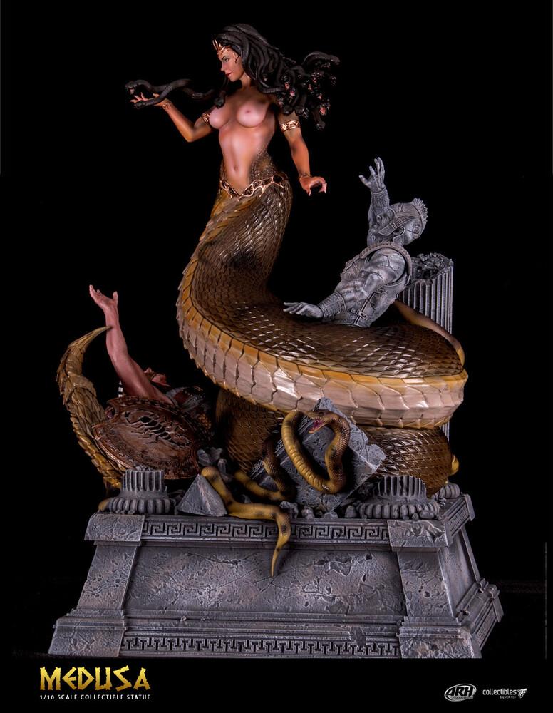 - Medusa 1/10 Scale Statue (Clcb) (Stat)