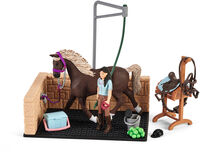 Schleich - Schleich Washing Area With Horse Club Emily &