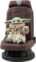 Diamond Select - Diamond Select - Star Wars The Mandalorian Child In Chair 1/2 ScaleStatue