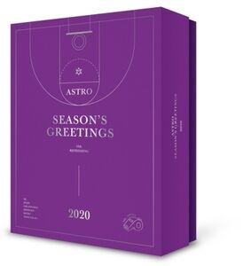 Season's Greetings 2020 (Refreshing Version) (Incl. Making of DVD,Desk Calendar, Diary, Photobook, Photocard Set + Clear Photo Stand) [Import]