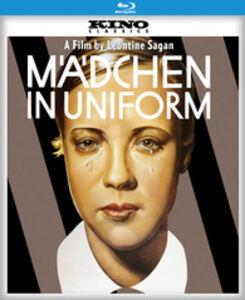 Mädchen in Uniform