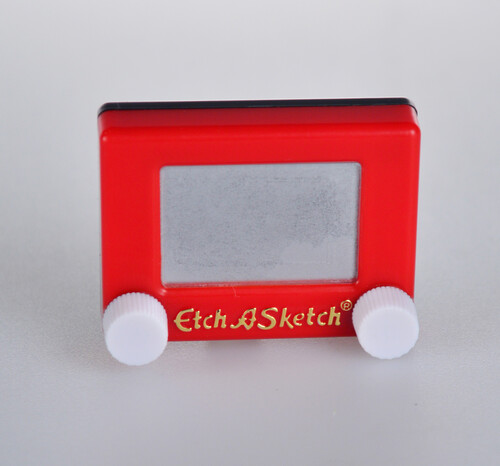WORLDS SMALLEST ETCH A SKETCH